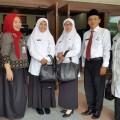 SMKN 22 Cetak Guru Berprestasi Drs Oman Sunarman